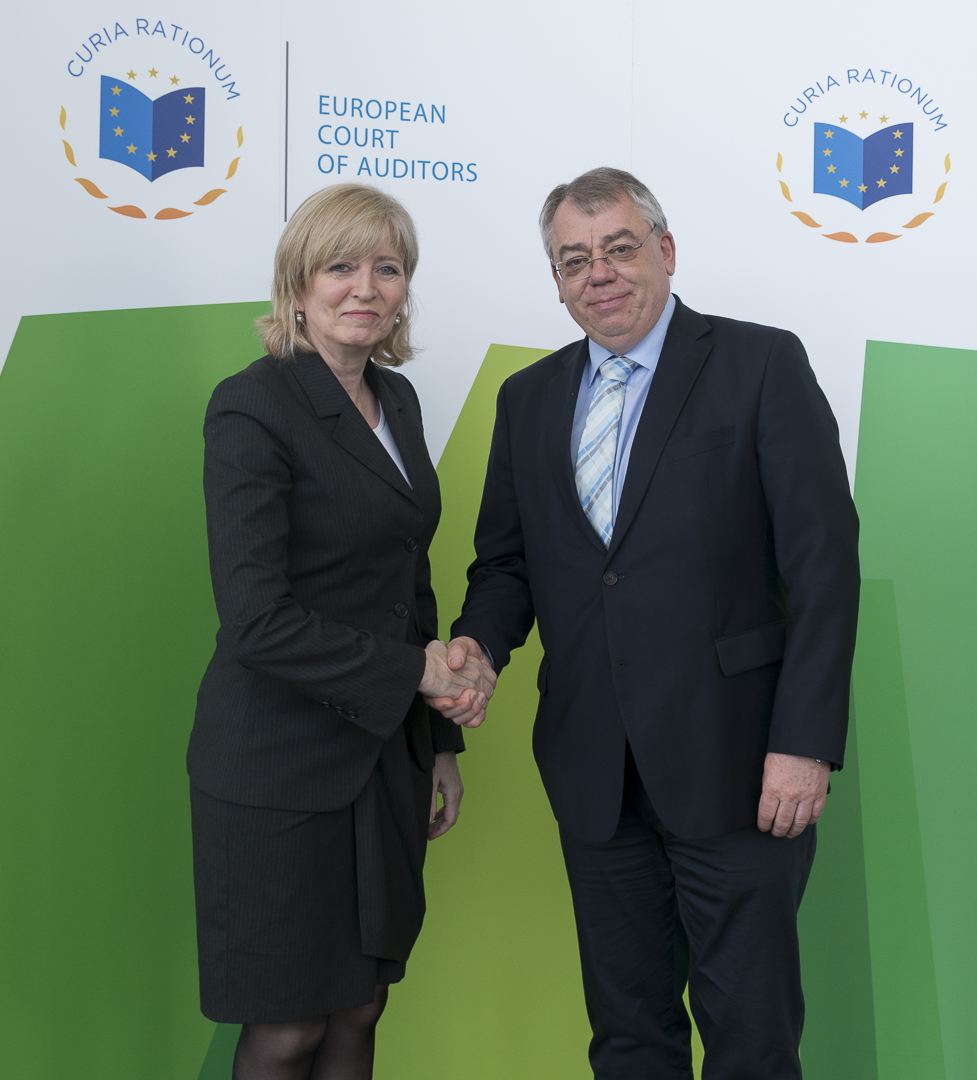 ECA President Klaus-Heiner Lehne welcoming Ms Emily OReilly, European Ombudsman, Luxembourg 11 April 2018