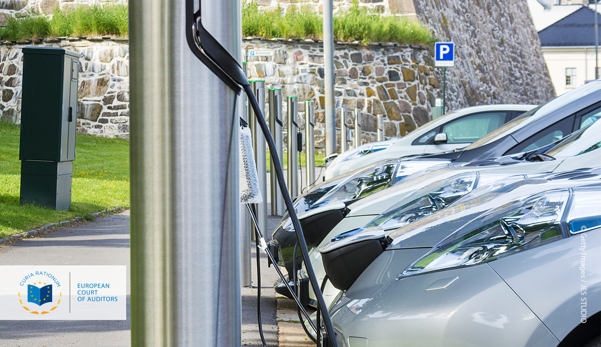 Special Report 05/2021: Infrastructure for charging electric vehicles: more charging stations but uneven deployment makes travel across the EU complicated
